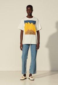 sandro - Print T-shirt - blanc - 0