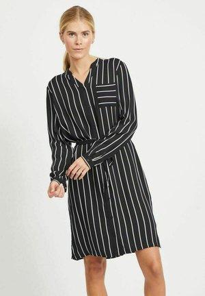 MIT BINDEGÜRTEL - Shirt dress - black