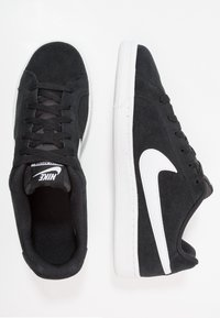 Nike Sportswear - COURT ROYALE SUEDE - Trainers - black/white - 1