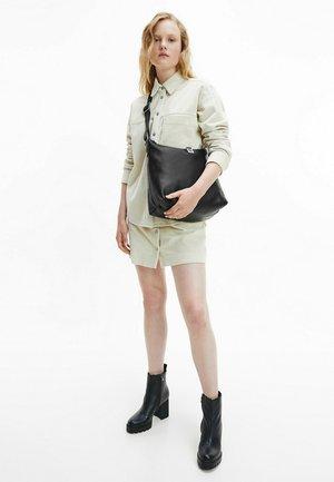 HOBO - Tote bag - black
