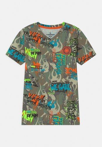 WEAREART - Pyjama top - multicolor/army green