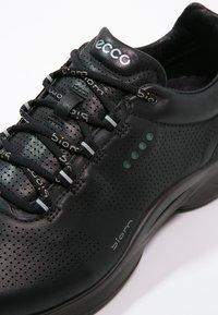 ECCO - BIOM FJUEL - Neutral running shoes - black - 5