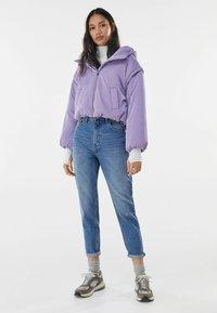 Bershka - MOM FIT JEANS - Jeans baggy - dark blue - 1