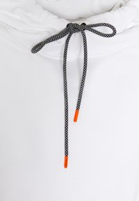Calvin Klein - VERTICAL SIDE LOGO HOODIE - Sweat à capuche - white - 5