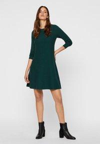 Vero Moda - Jumper dress - ponderosa pine - 1