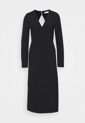 VNECK PINAFORE DRESS - Denní šaty - black