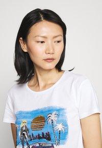 Patrizia Pepe - Print T-shirt - white - 3