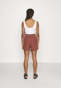 ONLY - ONLVIVA EMERY BELT - Shorts - apple butter - 2