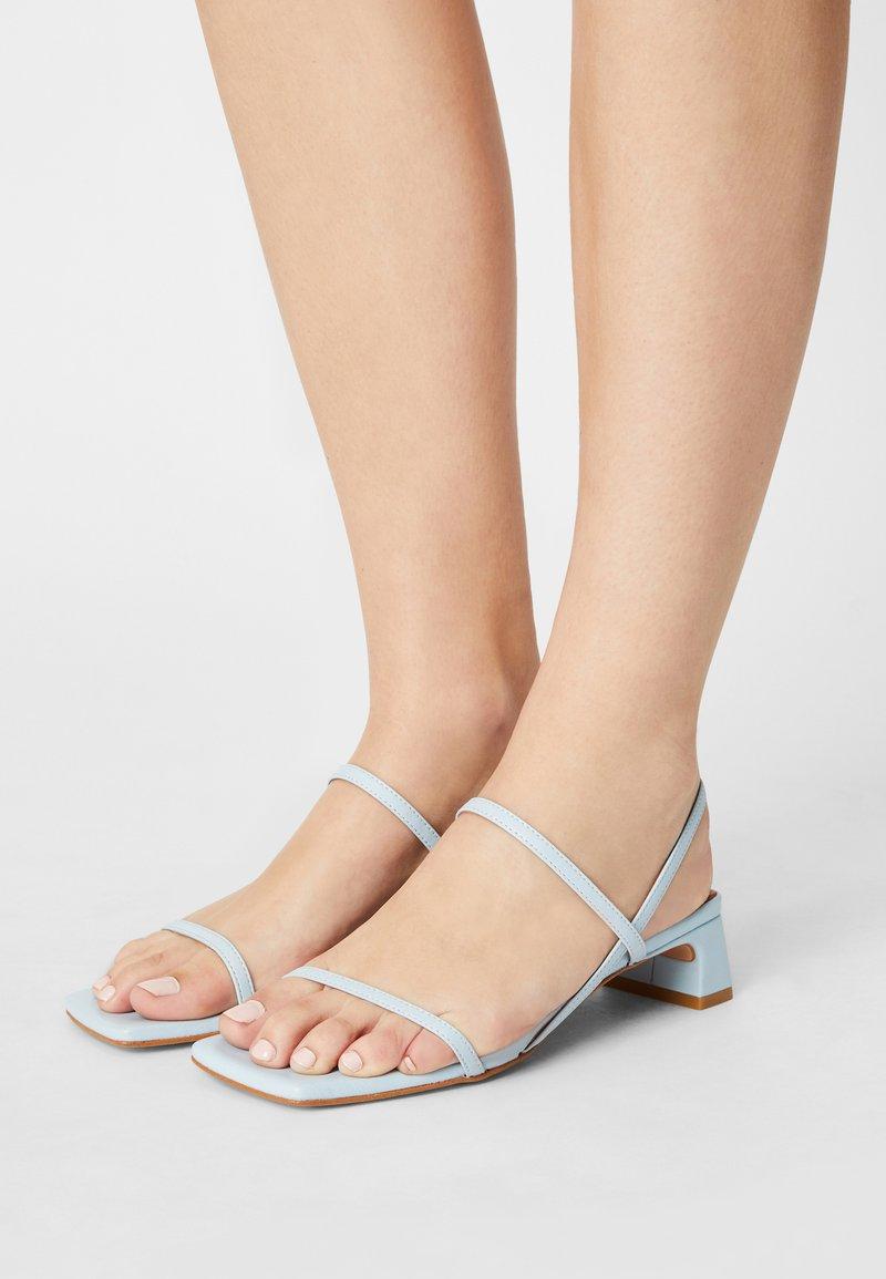 ÁNGEL ALARCÓN - Sandals - celeste