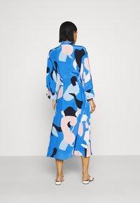 Nümph - NUCORA DRESS - Skjortekjole - ultramarine - 2