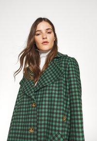 Vivienne Westwood - BLANKET COAT - Light jacket - green/plum - 3