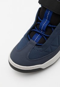 Lacoste - EXPLRATUR POINTE - High-top trainers - navy/black - 5