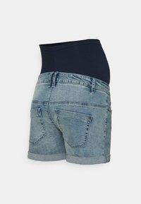 Forever Fit - ROLL UP - Denim shorts - light wash - 1
