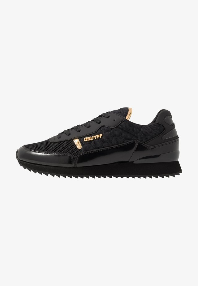 RIPPLE RUNNER - Trainers - black/gold