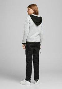 Jack & Jones Junior - Zip-up hoodie - light grey melange - 2