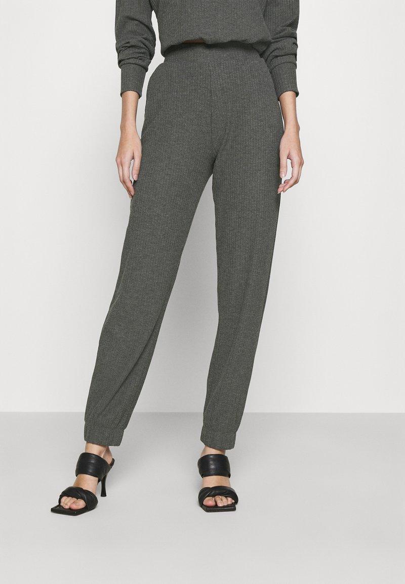ONLY - ONLNELLA PANTS - Tracksuit bottoms - dark grey melange