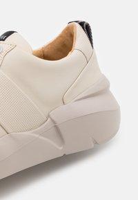 Nubikk - LUCY MAY - Sneakers basse - desert - 4