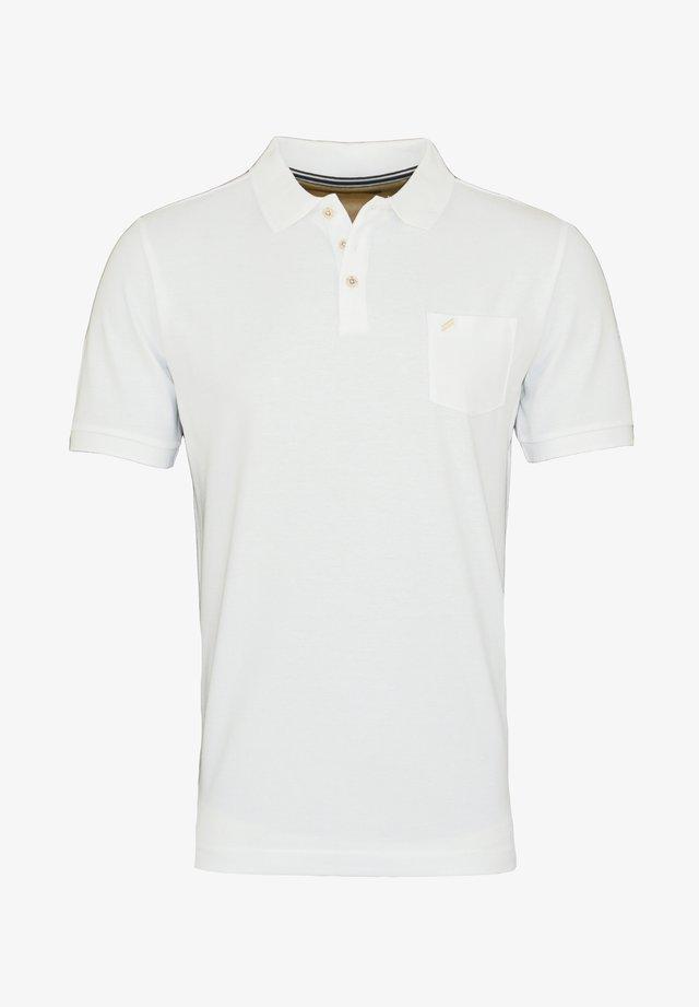 MIT BRUSTTASCHE - Poloshirt - weiss