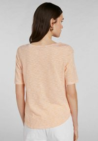 Oui - Print T-shirt - white yellow/or - 2