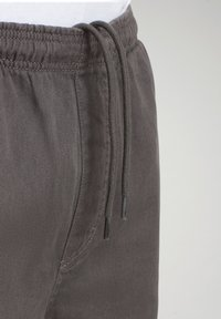 Napapijri - Shorts - grey gargoyle - 6