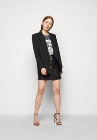 MICHAEL Michael Kors - ROCK STAR TEE - Camiseta estampada - washed black - 1