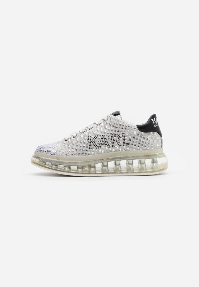 KAPRI KUSHION LOGO - Trainers - silver