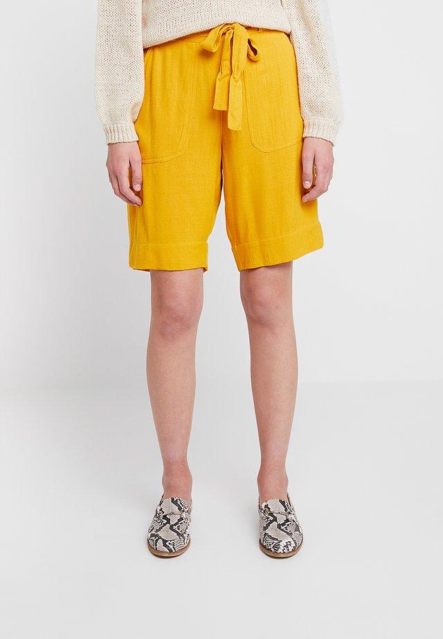 KAIDA - Shorts - old gold