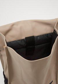 Spiral Bags - ZONE - Batoh - stone - 2