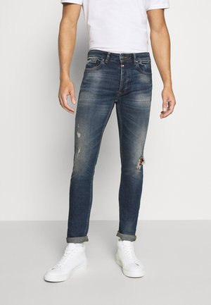 BOGETTA CARROT FIT - Jeans Tapered Fit - blue wash