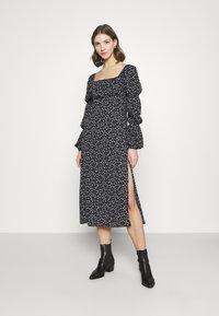 Missguided - SQUARE NECK MIDI DRESS FLORAL - Day dress - black - 0
