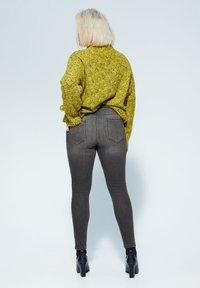 Violeta by Mango - IRENE - Slim fit jeans - denim grau - 2
