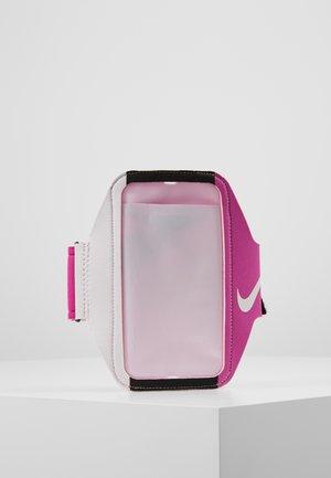 LEAN ARM BAND - Övrigt - fire pink/black/white