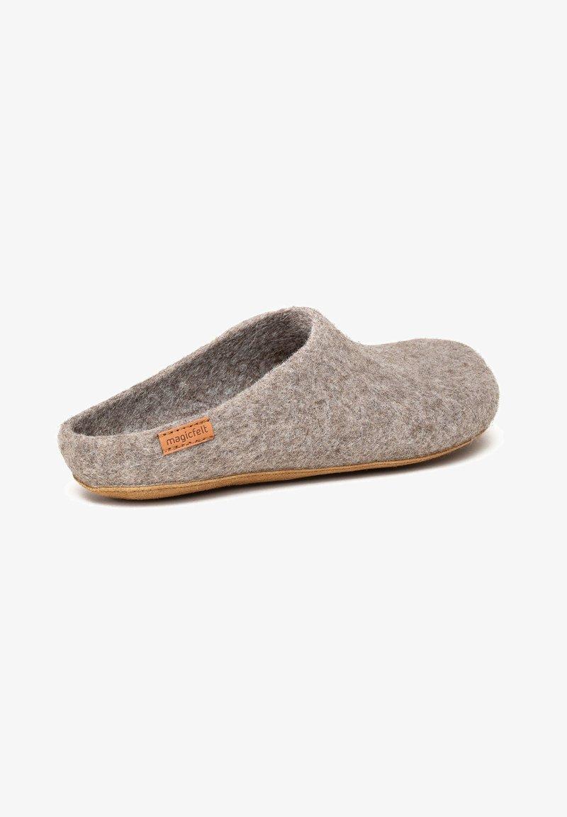Magicfelt - Slippers - braun