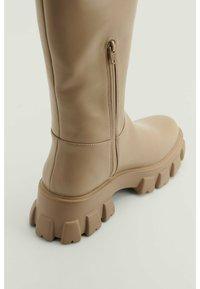 NA-KD - Platform boots - taupe - 2