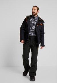 Wearcolour - ROAM JACKET - Snowboardjakke - black - 1