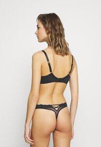 DORINA CURVES - KNIGHT - Underwired bra - black - 2