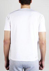 MOROTAI - Basic T-shirt - white - 2