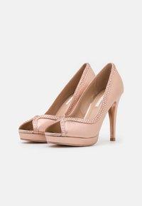 Dorothy Perkins - SHOWCASE GHOSTLY PEEPTOE - Peeptoe heels - rose gold - 2