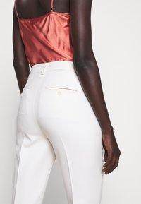 WEEKEND MaxMara - OPACO - Trousers - ivory - 5
