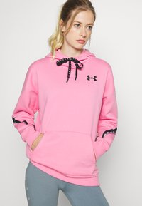Under Armour - FLEECE HOODIE TAPED WM - Jersey con capucha - lipstick/black - 0