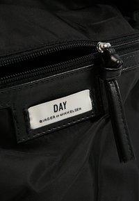 DAY Birger et Mikkelsen - DAY GWENETH  - Mochila - black - 7