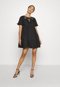 Missguided - POPLIN CROCHET SMOCK DRESS - Cocktailkjole - black - 1