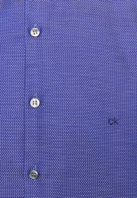 Calvin Klein Tailored - STRUCTURE EASY CARE SLIM - Formal shirt - blue - 2