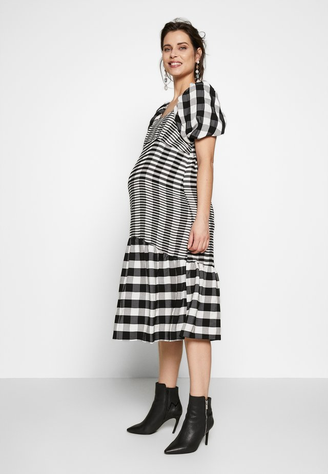 MIDI TEXTURED CHECK - Jersey dress - mono
