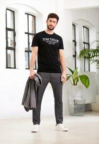 TOM TAILOR - T-shirt print - black - 5