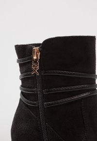 XTI - Wedge Ankle Boots - black - 2