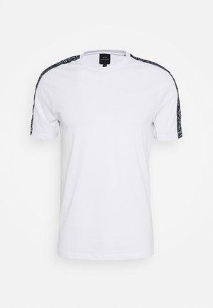 JUMPER - Print T-shirt - white
