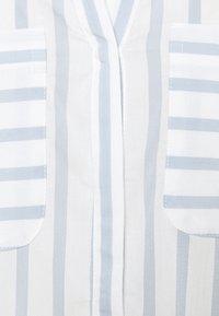 Vero Moda Tall - VMERIKA STRIPE - Blouse - snow white/blue fog - 5