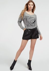 Guess - FRONTAL STRASS - Sweatshirt - gris - 1