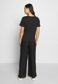 Even&Odd - BASIC ROUND NECK SHORT SLEEVES - T-shirts basic - black - 2